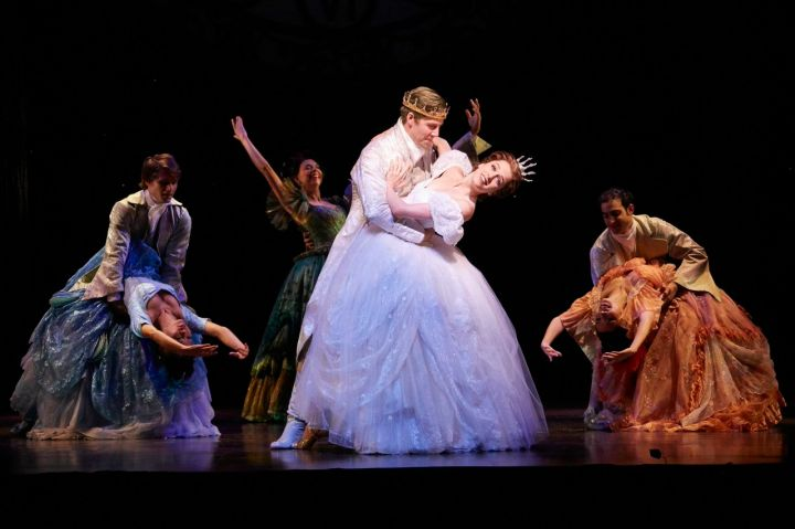 Paige Faure and Andy Jones will star in the national tour of Rodgers + Hammerstein's CINDERELLA.   Photo by Carol Rosegg.